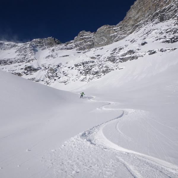 Nice alpine powder at rk heliski
